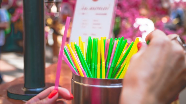 avoid plastic straws, buy